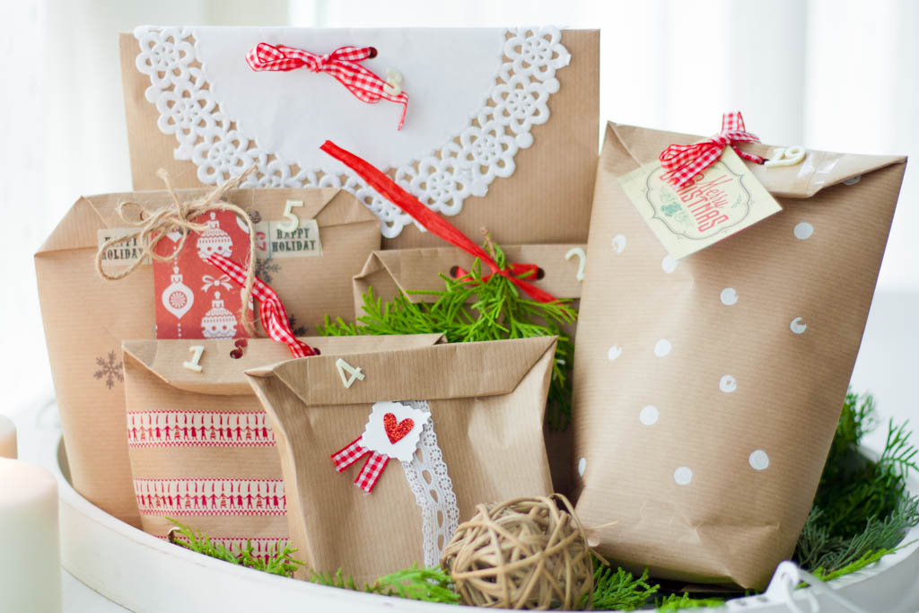 Como hacer bolsas de papel para envolver regalos de navidad - Papel de regalo navidad ...
