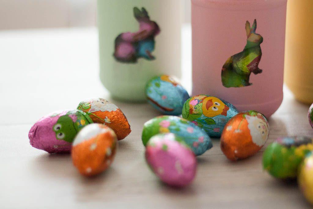 botes y huevos de pascua