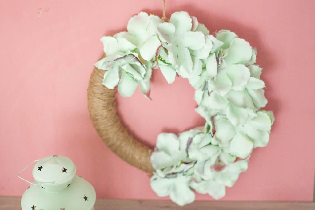 corona de flores para colgar
