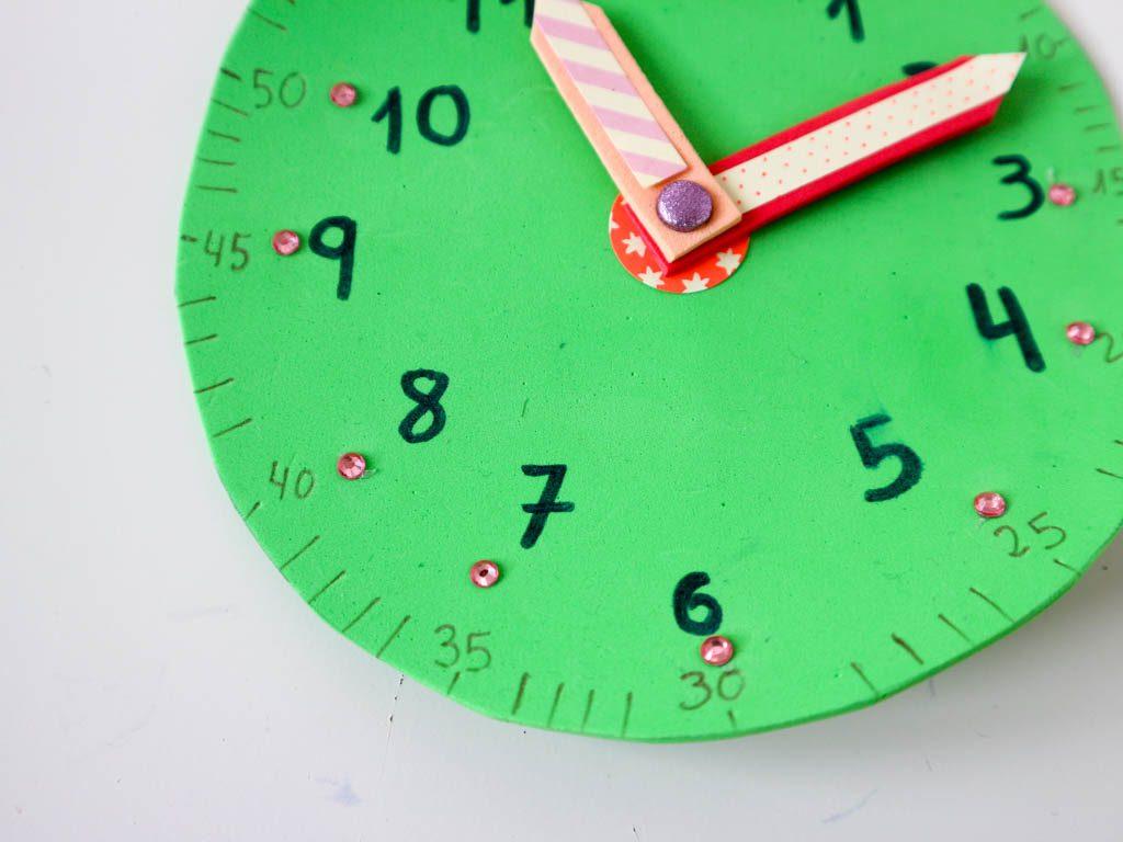 reloj para aprender las horas hecho en casa