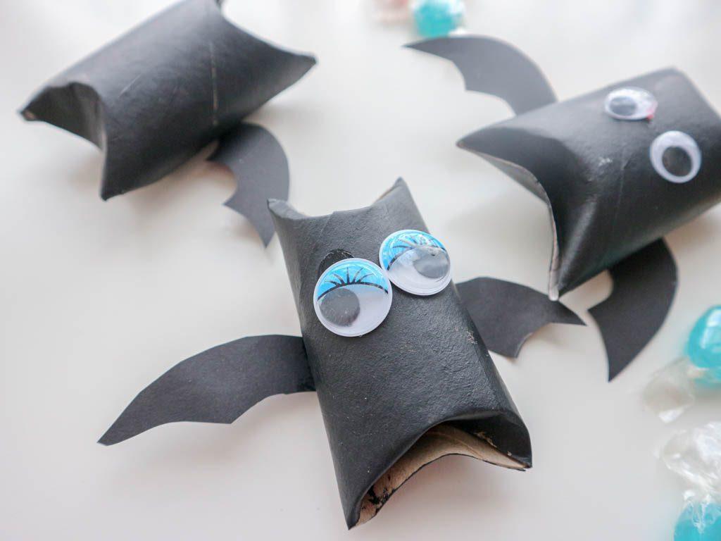 ideas originales para halloween: murcielagos de carton