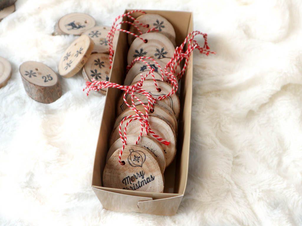 adornos de navidad en caja