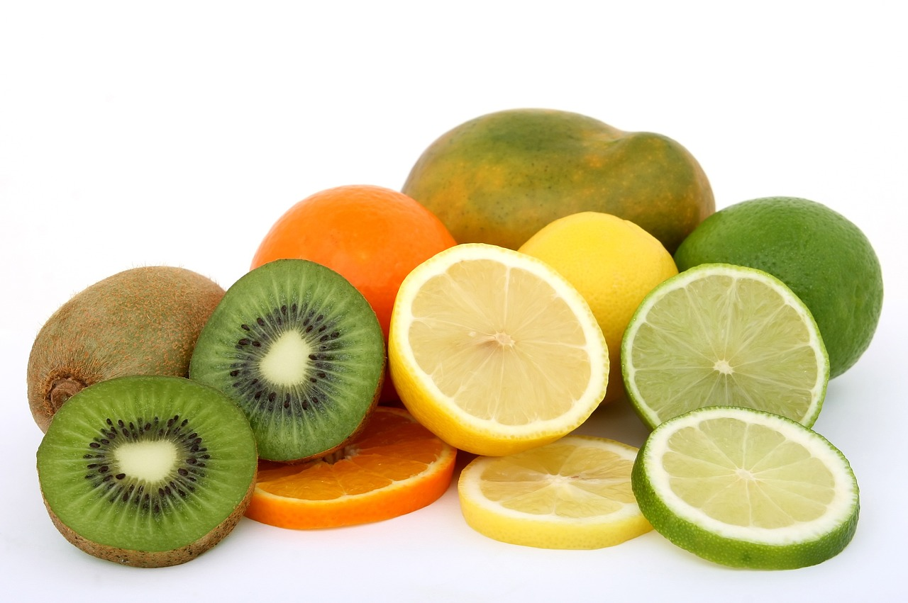 limon, naranja, kiwi y lima