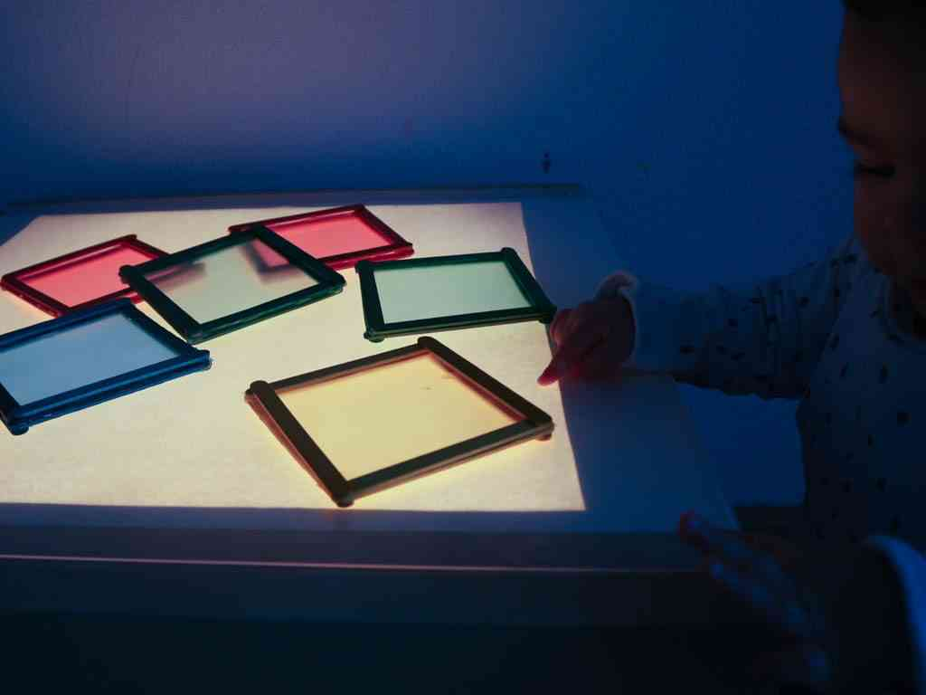 Juego con mesa de luz diy