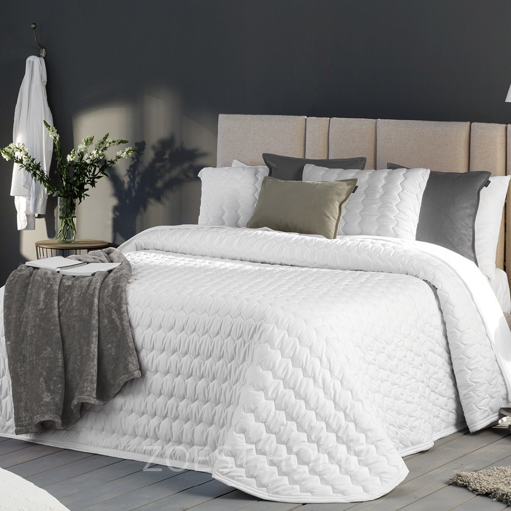 cama de matrimonio en habitacion
